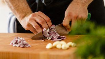El truco definitivo para cortar cebolla sin lágrimas