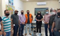 Vereadores Elói, Samuka e Caburé participam do anúncio do projeto de micro revestimento asfáltico de Cerejeiras