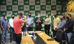 Ao anunciar liberação de benefícios para o Cone Sul, Luizinho Goebel ressalta empenho dos demais deputados da região