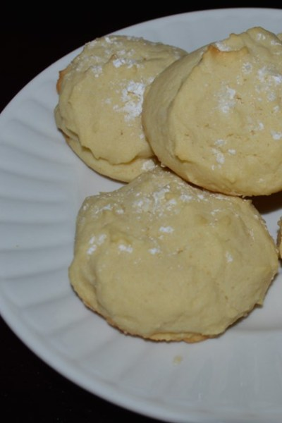 Creamy Lemon Cookies with Essential Oil