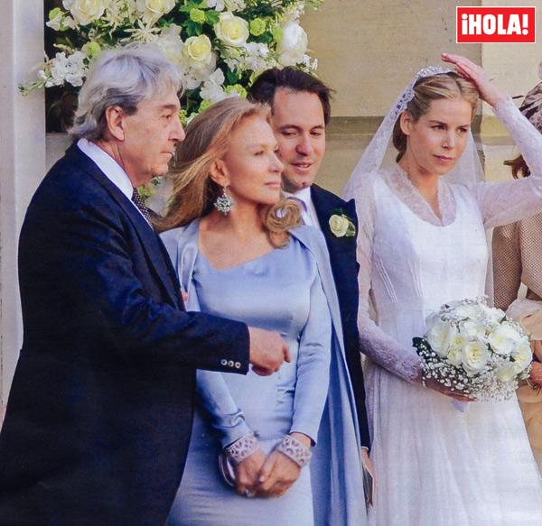 En HOLA Alicia Koplowitz espectacular madrina en la