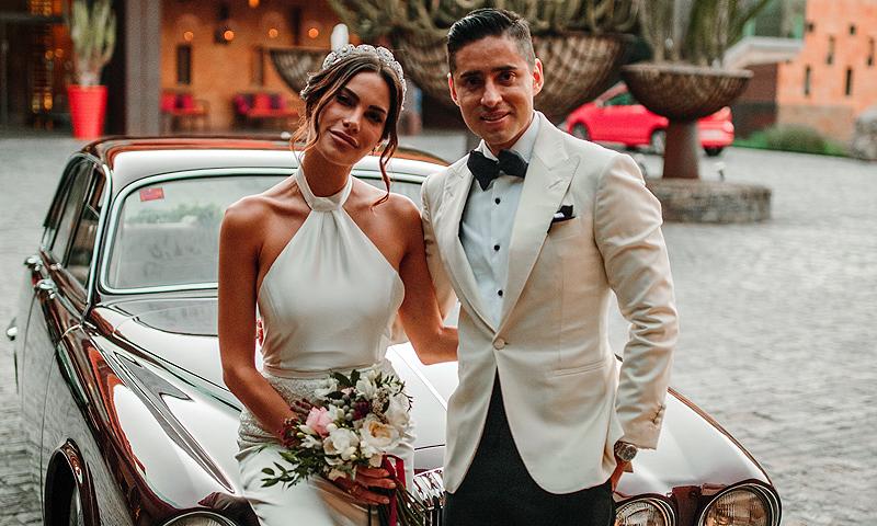 La romntica boda de la ex Miss Carla Barber en Canarias