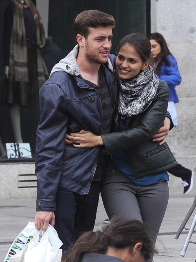 El actor Ral Mrida loco por su novia
