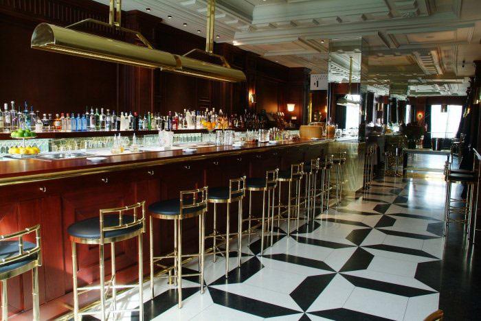 Bares y restaurantes clandestinos que te gustar descubrir