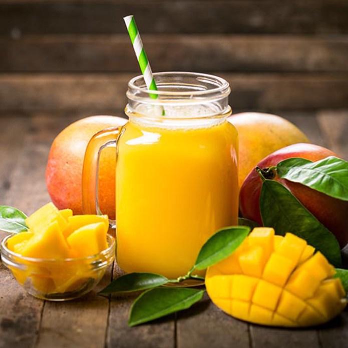 Batido de mango, papaya y coco