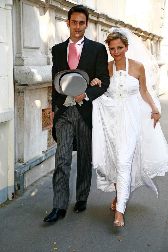 JeanneMarie Martin hija de Cecilia CiganerAlbniz se ha casado con Gurvan Rallon  Foto
