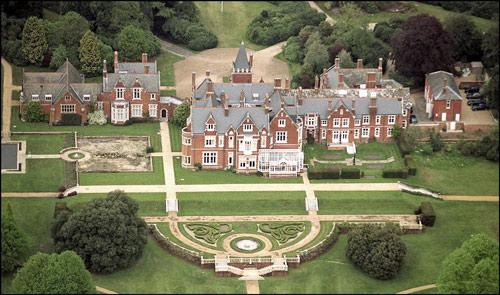Castillos palacios y fincas Todas las casas donde viven la reina Isabel II y su familia  Foto