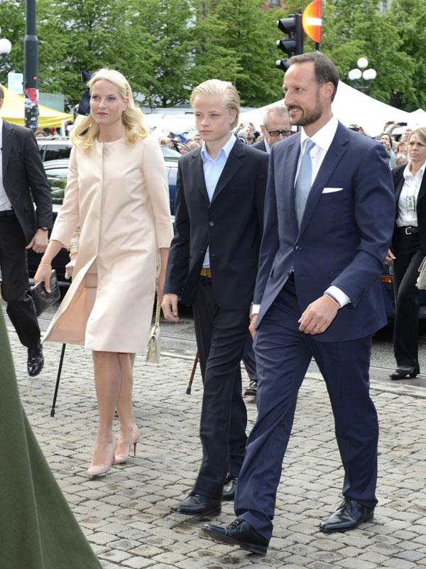 Haakon y MetteMarit de Noruega salen en defensa de Marius