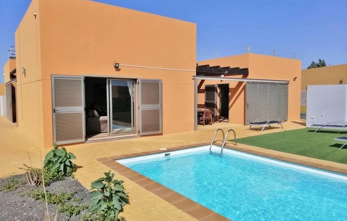 villa-salinas-golf-piscine-holafuerteventura