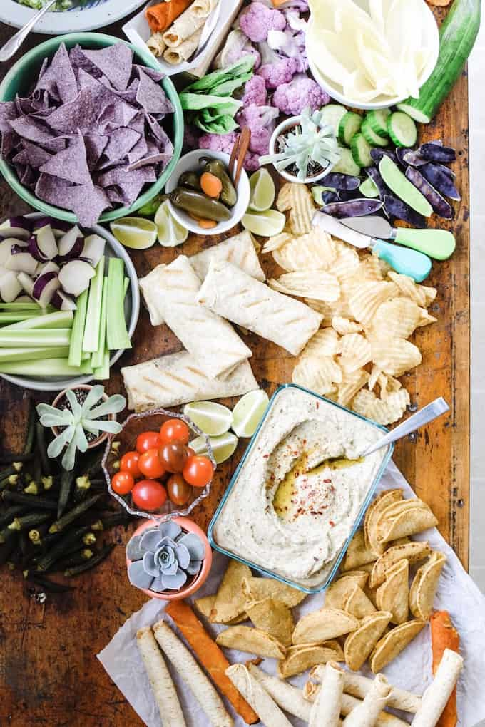 How to make this simple, yet sophisticated this White Bean Dip with basil, garlic, and Worchestershire sauce is a creamy dip that is amazing with wheat crackers and veggies! #beandip #whitebeans #diprecipes #diprecipeseasy #holajalapeno