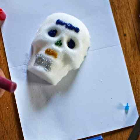These simplified, super easy Sugar Skulls are basically foolproof and are perfect for little ones to decorate for Dia de los Muertos or Day of the Dead.