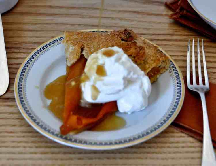 A divine Candied Pumpkin Tart is a delicious dairy-free option for Thanksgiving. Pumpkin slices, simmered in sugar syrup and baked into a flaky pie crust. #pumpkinpie #thanksgiving #dairyfreepie #holajalapeno