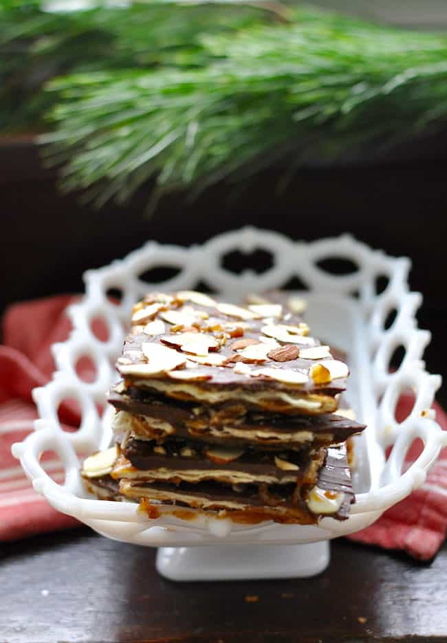 Chile almond christmas crack hola jalapeohola jalapeo almond chile christmas crack recipe forumfinder Image collections