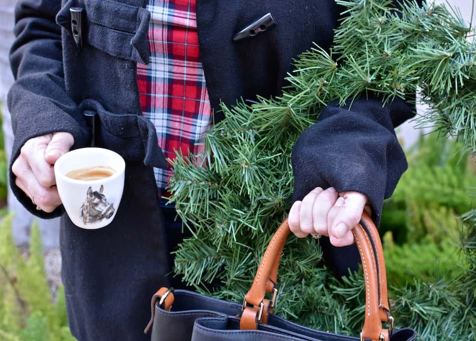 We all know what really fuels the holidays: coffee! I've paired the perfect espresso blend to keep you going all season long, from late night prep straight through to last-minute shopping. I've partnered with Peet's Coffee to find that perfect dark roast espresso that will compliment any occasion! #ad #ADeeperDark #espresso #coffee #thanksgiving #PeetsCoffee #coffeepairing #entertainingtips