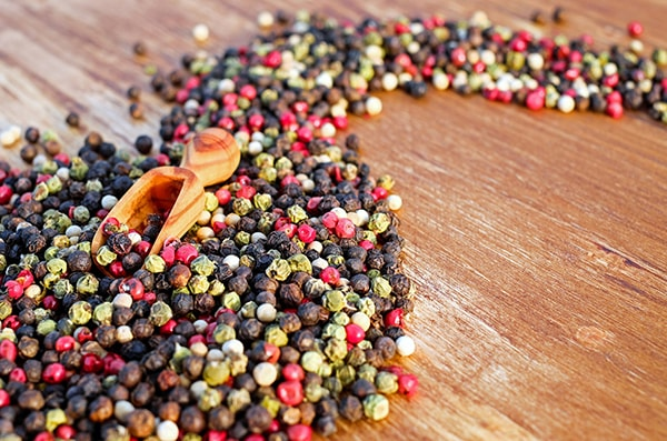 Holar - Blog - Top 10 Essential Herbs, Spices, and Seasonings for Your Kitchen Pantry - Peppercorns