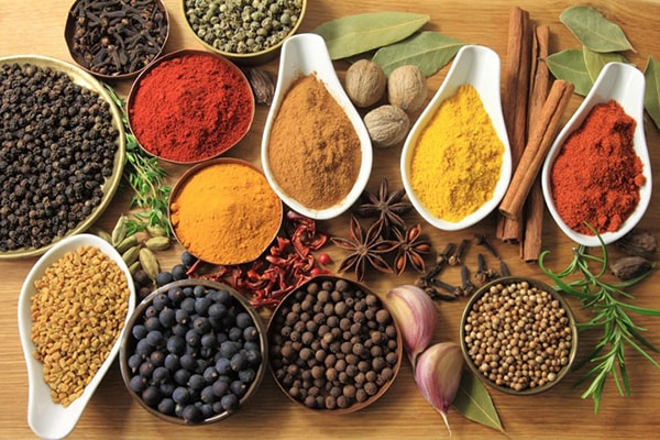 Holar - Blog - Survival Food Storage - The Beginner's Guide on a Budget - Store What You Eat and Eat What You Store - Spices and Seasonings