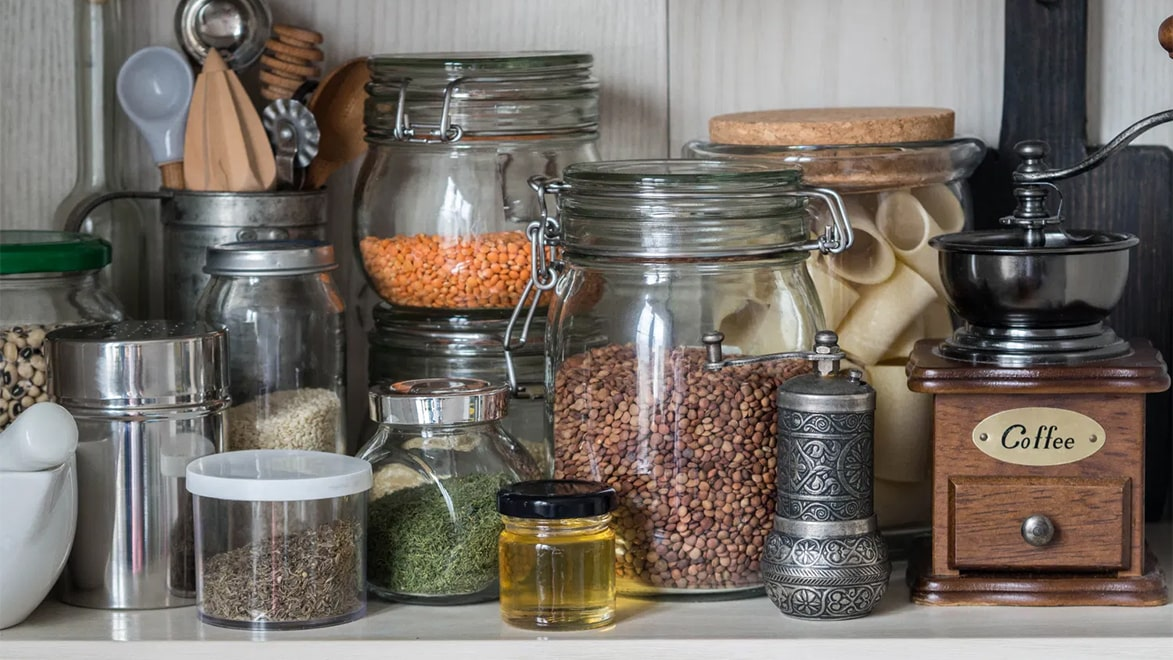 Holar - Blog - How to Maximize Storage Space for Small Cabinet with These 6 Kitchen Appliances - Cover
