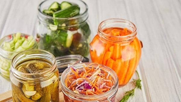 Holar - Blog - Make food last longer Top 7 kitchen ingredients to preserve foods - Vinegar