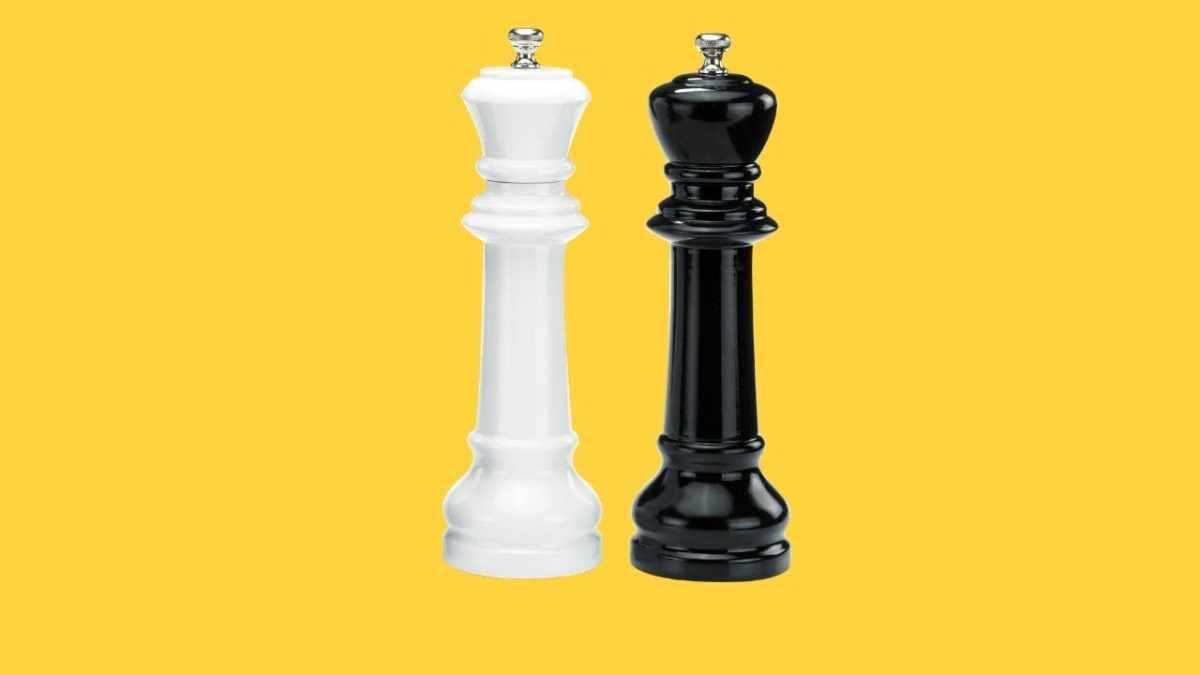 Holar CSK CSQ Chess Salt and Pepper Grinder Set-cover