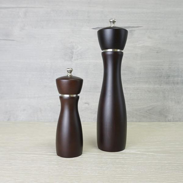 Holar salt pepper mill with stainless steel ring_BAS