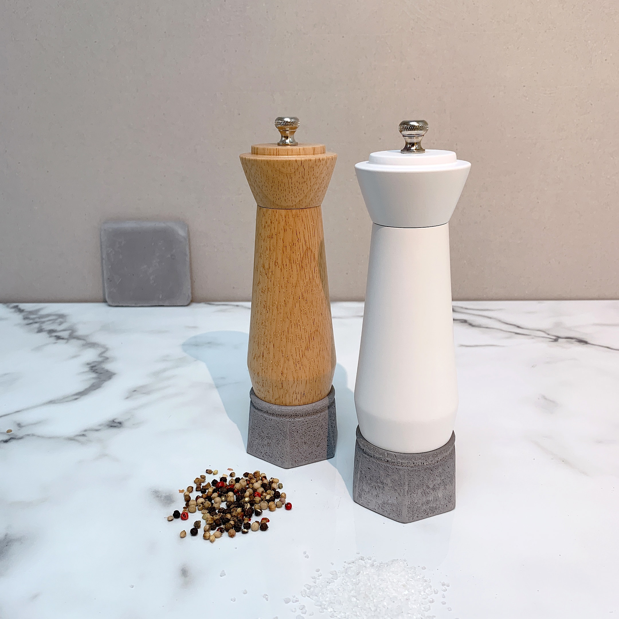 Holar wood and concrete salt pepper mill-3