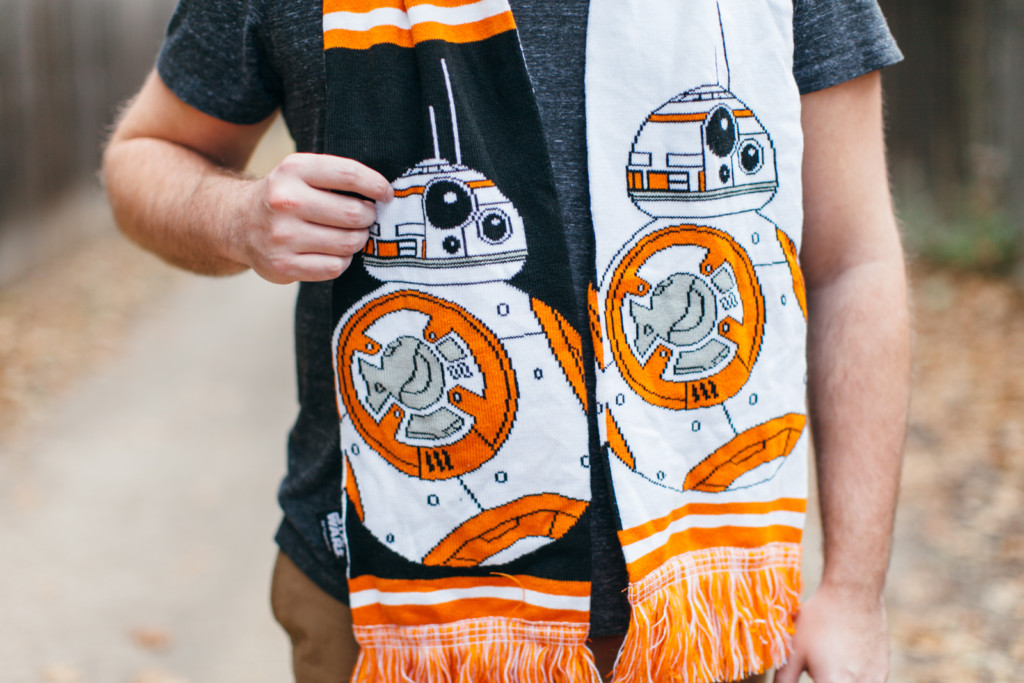 Star Wars BB-8 Scarf Giveaway