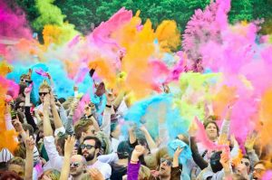 Fete festival holi couleur
