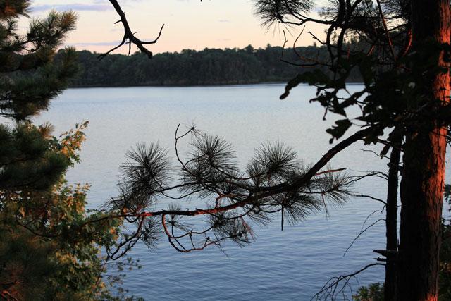 holiday-shores-campsite-river-view