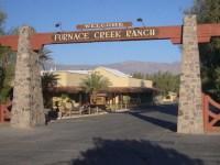 """Bild """"Einfahrt zur Hotelanlage"""" zu Hotel Furnace Creek"""