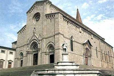 Dôme églises Arezzo Le Dôme et les autres églises dArezzo