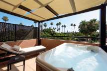 Hotel Rooms with Private Hot Tubs