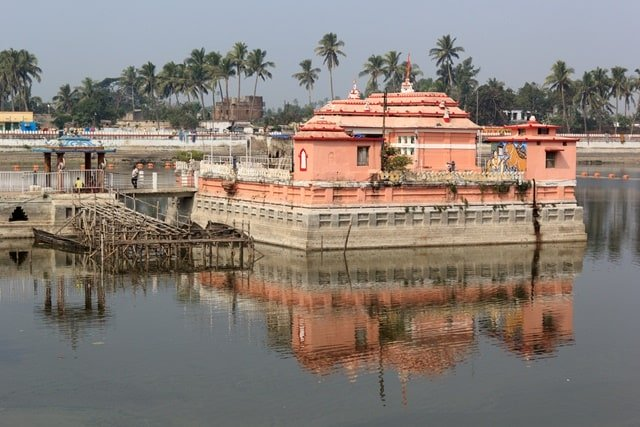 Narendra Tank A Places To Visit In Jagannath Puri Char Dham India