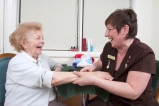 「aroma therapy dementia」の画像検索結果