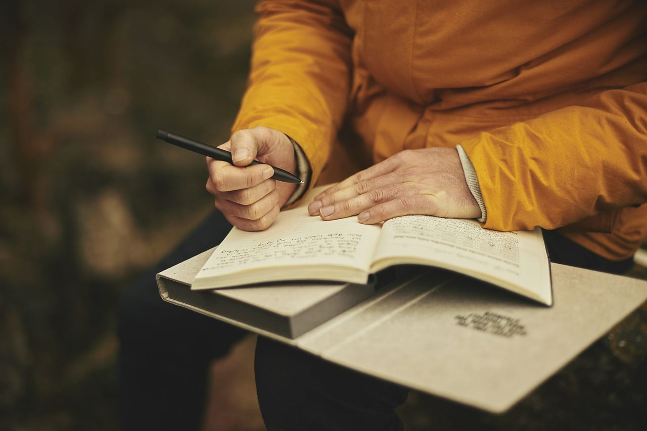 relieve stress by stress journaling