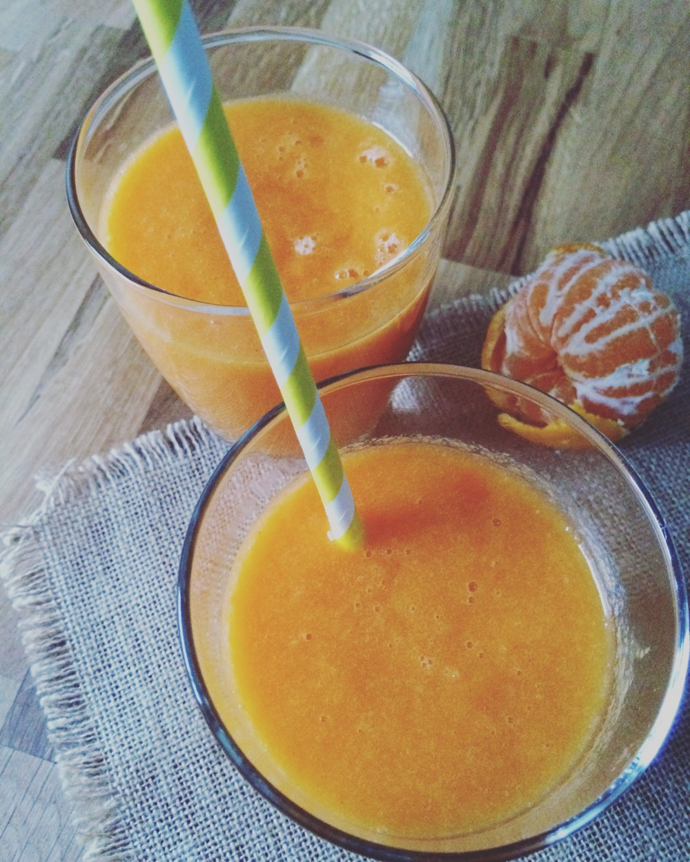 Winter Smoothie mit Kaki, Karotte, Mandarine