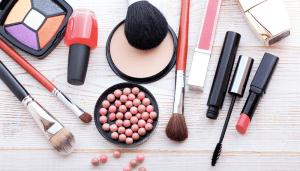 Makeup-300x171 De snelst groeiende online drogist van Nederland!