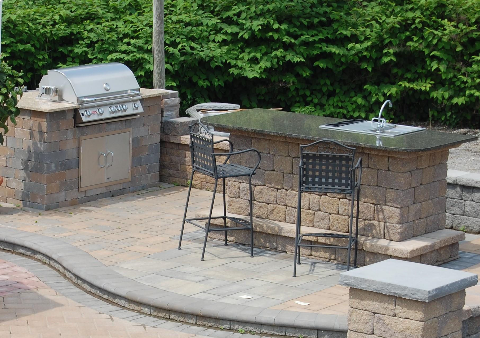 red stone outdoor kitchen places to buy tables pavers and natural wall holland mulch inc