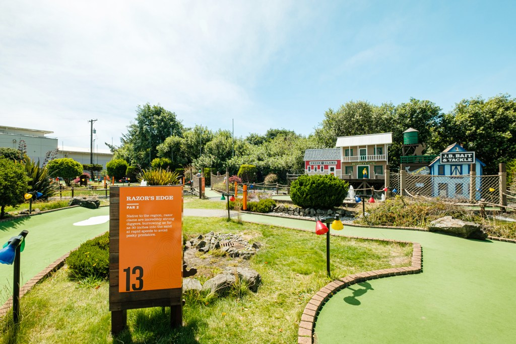Golf Course Theming and Wayfinding