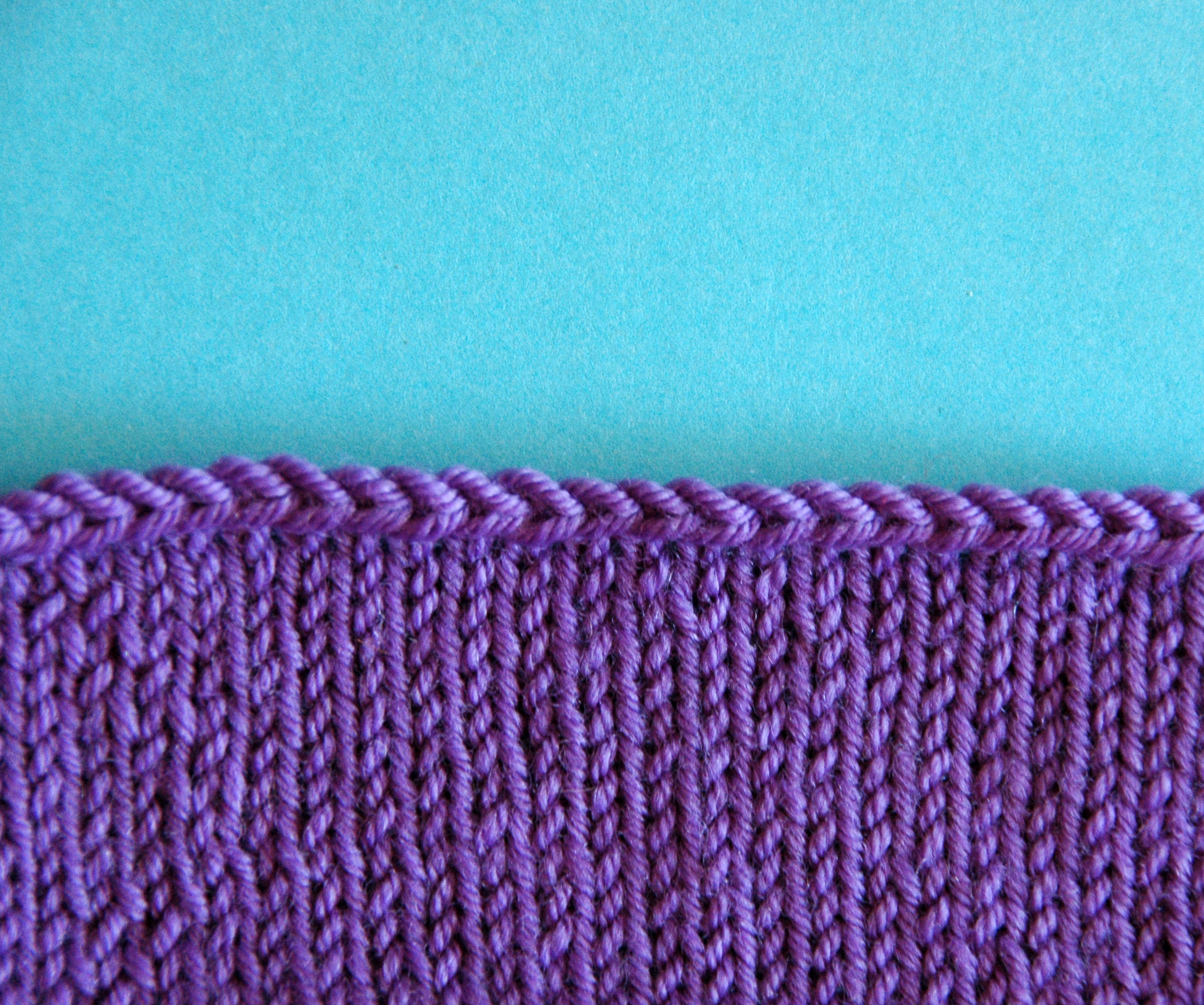Holly Chayes » 2 Stretchy Bind Offs Perfect For Shawls