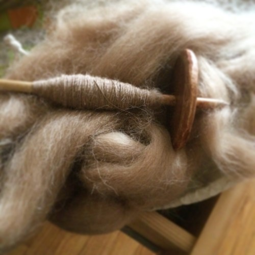 spinning alpaca yarn