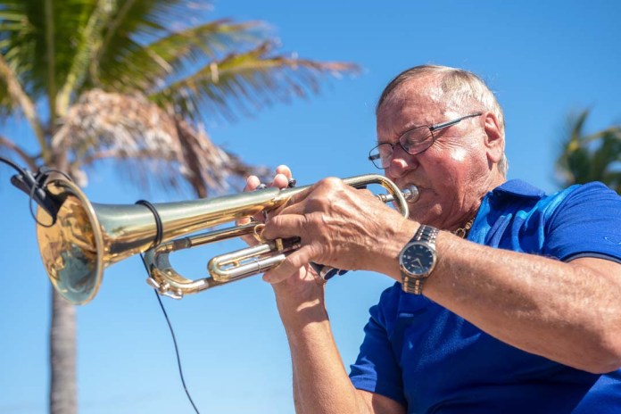 The beachcombers bring centuries of music making to the hollywood broadwalk