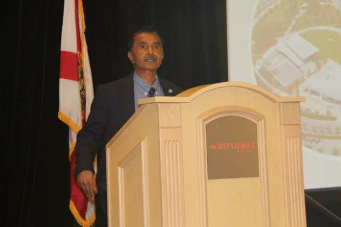 City Manager speaks at Hollywood Chamber Breakfast