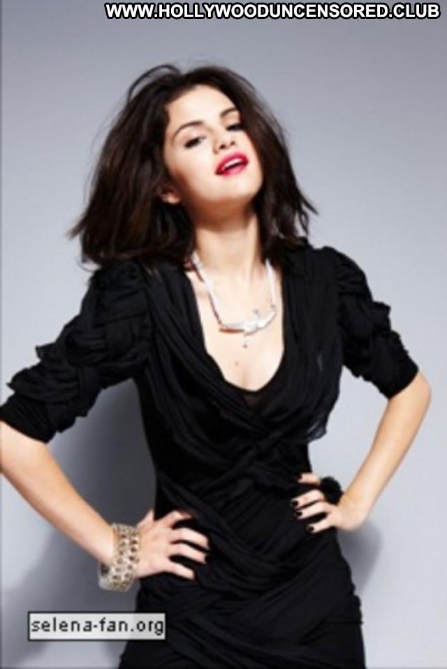Selena Gomez Magazine Celebrity Paparazzi Babe Beautiful Photoshoot