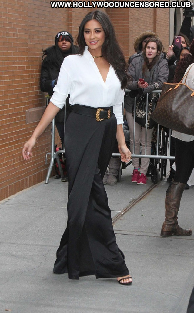 Shay Mitchell New York Beautiful Posing Hot Paparazzi Babe Celebrity