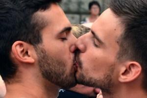 Kiss - Titelbild: Adolfo Lujan via Compfight cc
