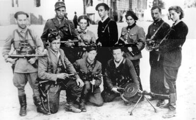https://i0.wp.com/www.holocaustsurvivors.org/photos/vilna_partisans+large.jpg