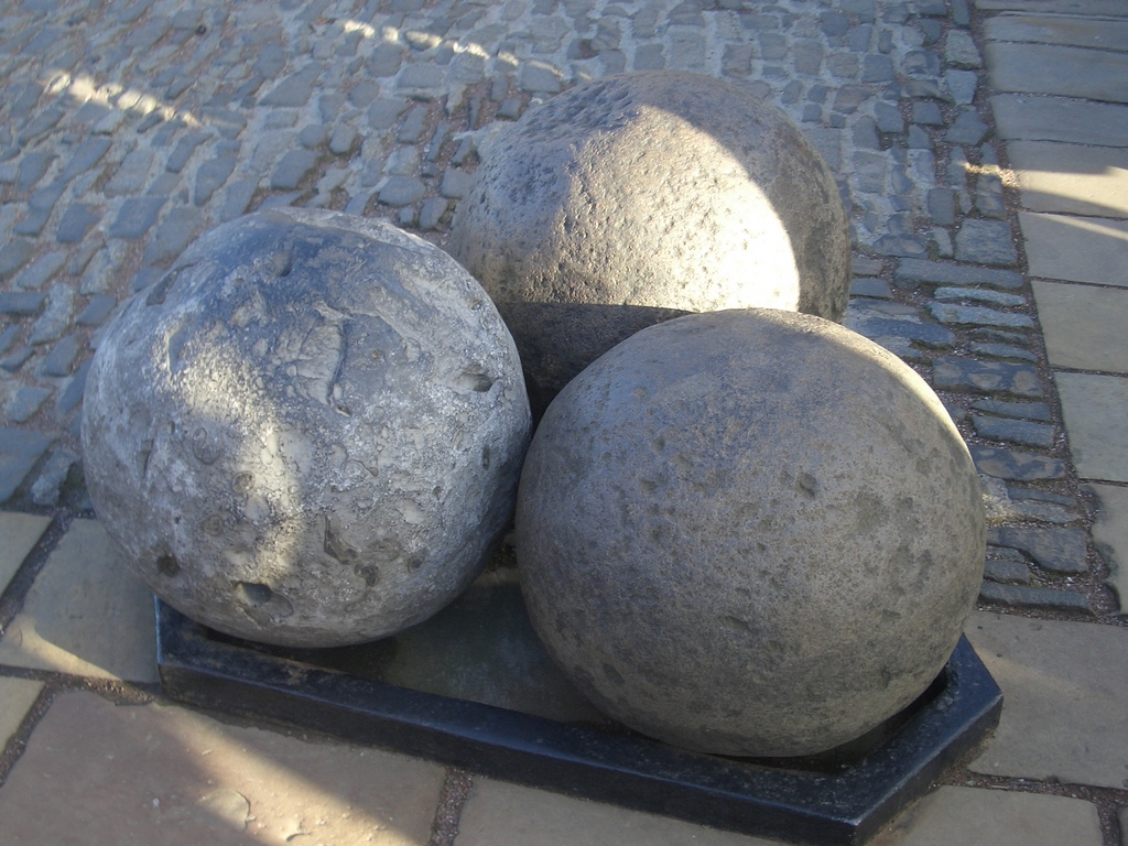 Free Fall Wallpaper Backgrounds Cannon Balls