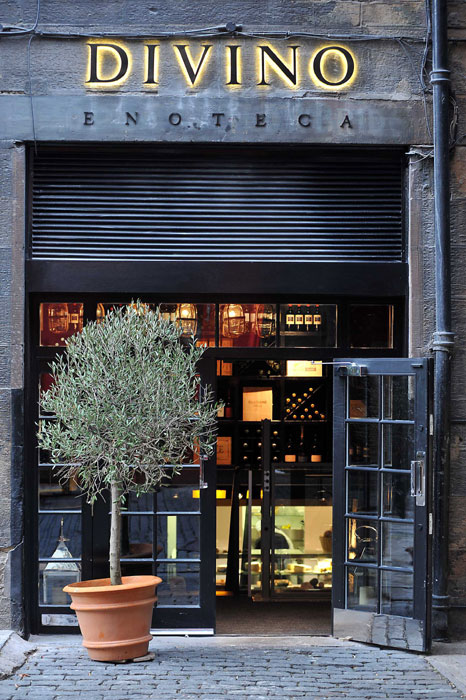 A food and drink PR image of Divino Enoteca shows the bar's enterance