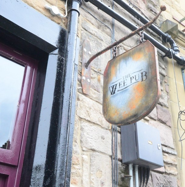09-Wee-Pub