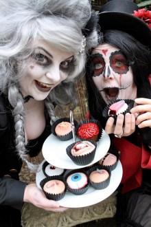 A scary cake which looks like a Halloween pumpkin